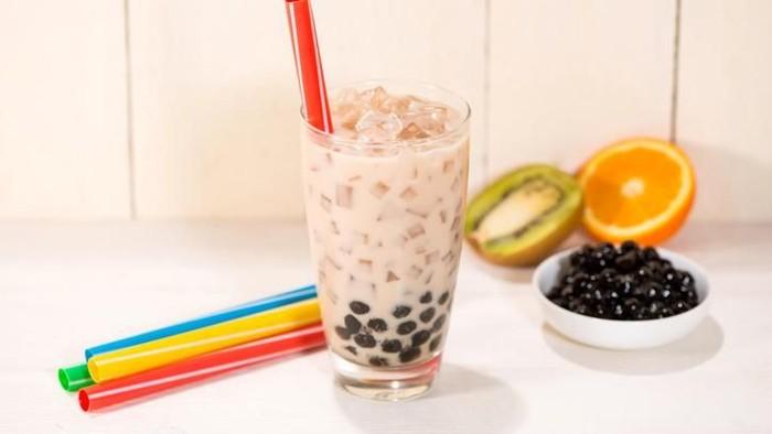 Bubble tea menjadi minuman favorit yang digandrungi oleh semua kalangan. (Foto: iStock)