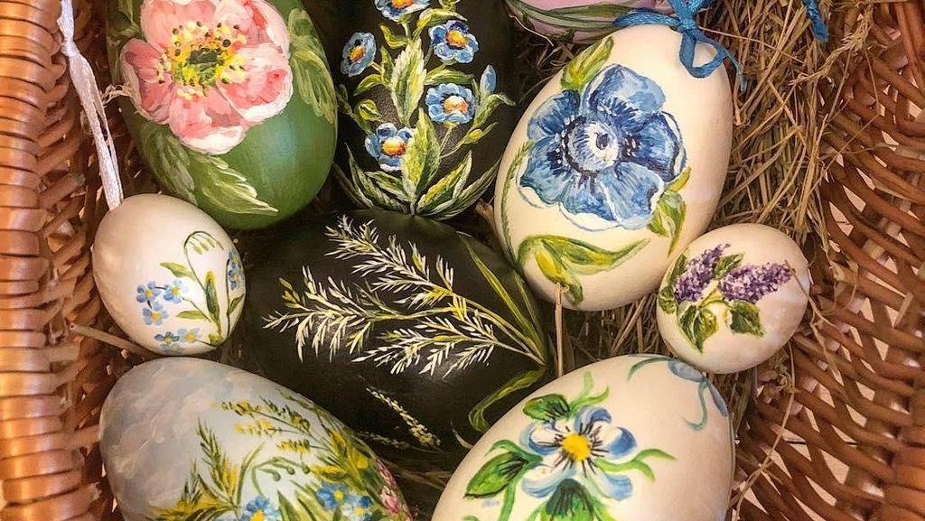 Keren! 10 Lukisan Bunga hingga Motif Cantik Pada Telur Ini Bisa Bikin Kamu Takjub