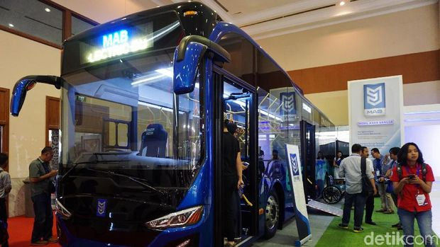 Bus listrik yang bakal uji coba di Bandara Soetta