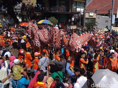 Foto: Kemeriahan Cap Go Meh Cirebon 2019
