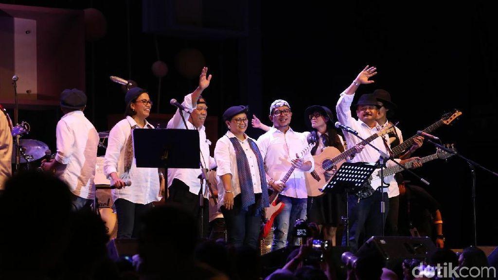 Jokowi Ledek Penampilan Elek Yo Band