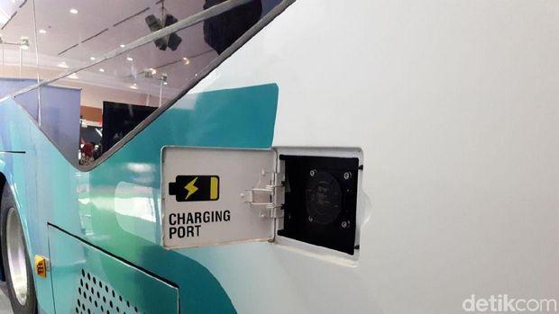 Charging port bus listrik