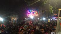 Pemprov DKI Pindahkan Pedagang Sate Taichan ke Depan Senayan City