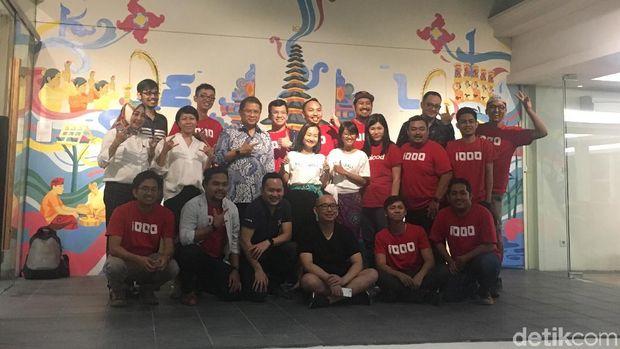 Tim 1.000 Startup yang tengah rapat kerja di coworking space Ke{m}bali, Seminyak, Bali.