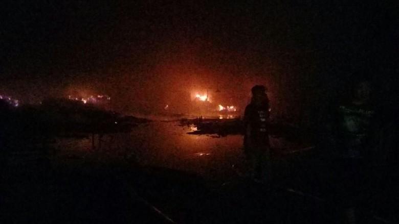 Pabrik Pengolahan Kayu di Pasuruan Terbakar