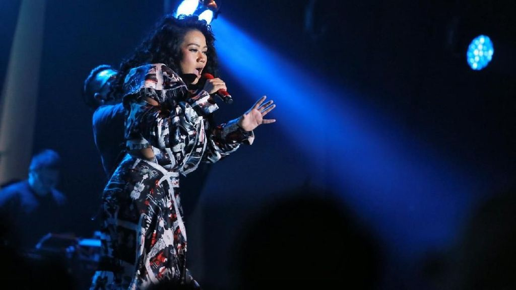 Yura Yunita Nyanyikan Single Baru di BNI Java Jazz Festival 2018