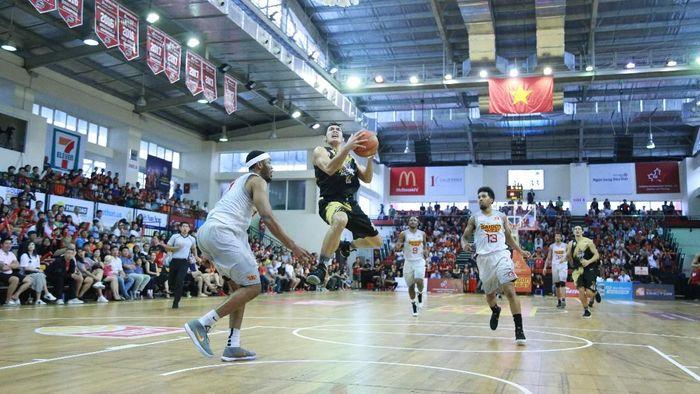 CLS Knights Indonesia dikalahkan Saigon Heat 86-114 dalam lanjutan Asean Basketball League (Foto: dok. CLS Knights Indonesia)