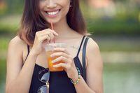 Benarkah Minum Teh Buah Bisa Sebabkan Erosi Gigi? Ini Kata Ahli