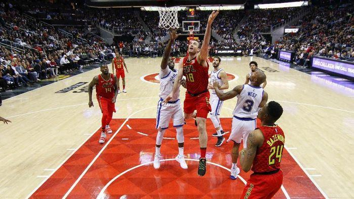 Golden State Warriors menang di kandang Atlanta Hawks untuk mencatat lima kemenangan beruntun (Foto: Brett Davis-USA TODAY Sports)