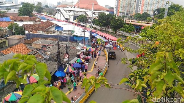 Jalan Jatibaru Tanah Abang ditutup pada pukul 08.00-15.00 WIB