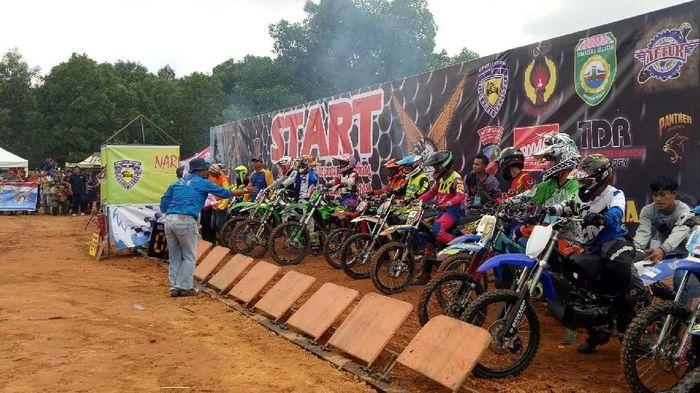 Kejuaraan motocross Piala Danlanud di Palembang. (Foto: Raja Adil Siregar/detikSport)