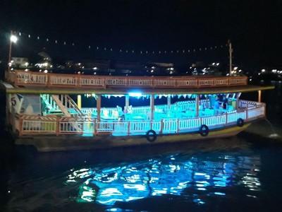 Susur Sungai Kapuas, Cara Terbaik Habiskan Malam di Pontianak