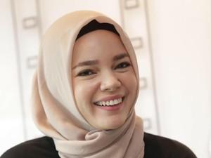 Sripun Bajak Instagram Beckham, Dewi Sandra Ikut Dukung