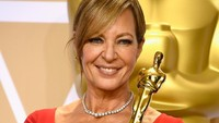 Allison Janney juga berhasil membawa pulang piala Best Supporting Actress. Frazer Harrison/Getty Images.
