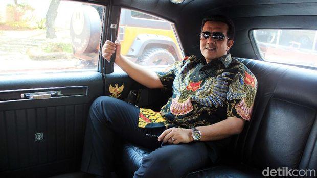 Jimmy di mobil Sukarno