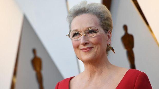 Penggemar meminta Meryl Streep gantikan Carrie Fisher sebagai Princess Leia.