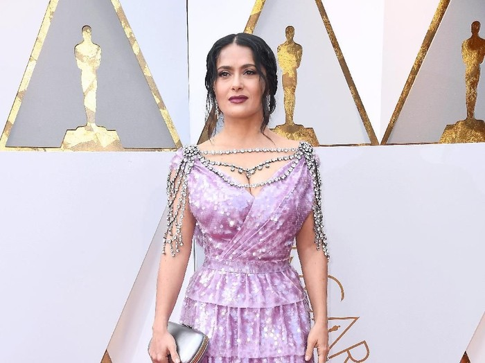 HOLLYWOOD, CA - MARCH 04:  Salma Hayek attends the 90th Annual Academy Awards at Hollywood & Highland Center on March 4, 2018 in Hollywood, California.  (Photo by Frazer Harrison/Getty Images)