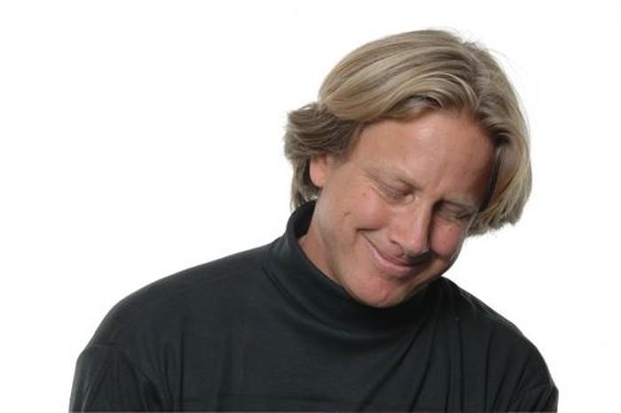 Berikutnya apakah pria ini sedang malu, sedih, terhibur, atau malu terhina (shame)? (Foto: greatergood.berkeley.edu)