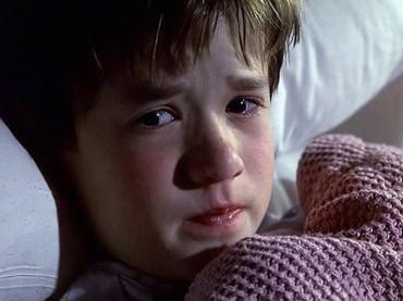 Pasti yang sudah nonton film The Sixth Sense tahu sosok ini ya, Bun. Yap, Haley Joel Osment pernah masuk ke dalam nominasi Oscar. (Foto: Instagram @movieups)