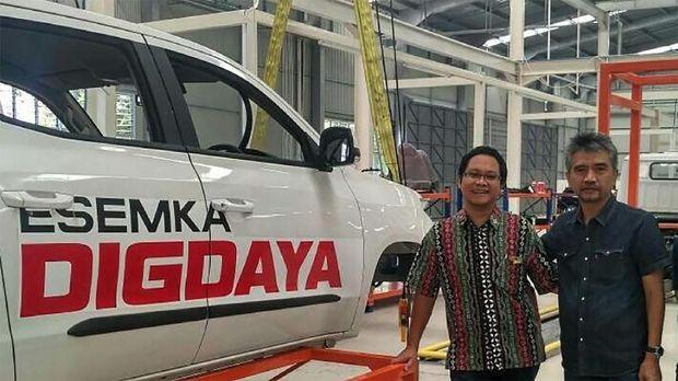 Bagian dalam pabrik Esemka di Boyolali, Jawa Tengah.