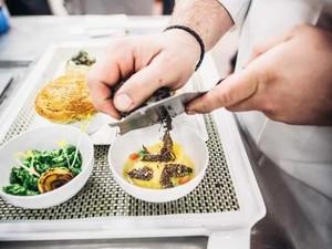 Begini Kesibukan Tim Chef Wolfgang Puck Jelang Siapkan Jamuan Oscar