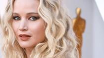 Pamer Cincin, Jennifer Lawrence Resmi Tunangan dengan Kekasih