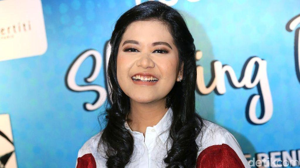 Hadiri 7 Bulanan Vicky Shu, Kahiyang Ayu Doakan yang Terbaik