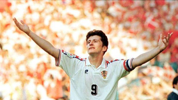 Bintang timnas Kroasia Davor Suker saat menembus babak semifinal Piala Dunia 1998.