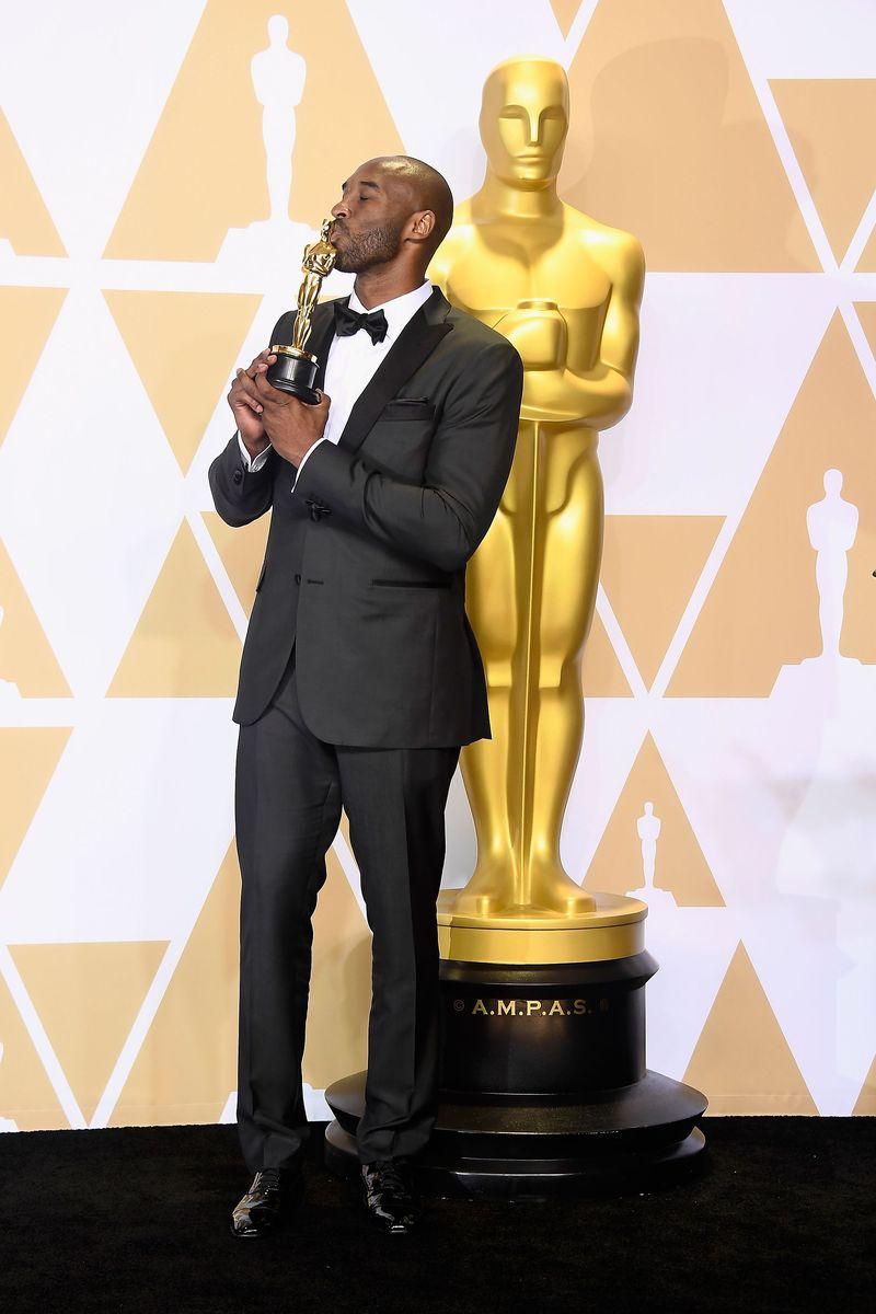 Legenda basket NBA Kobe Bryant meraih Oscar untuk Animated Short Film. Ia meraih penghargaan tersebut untuk film Dear Basketball (Frazer Harrison/Getty Images)