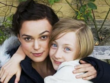 Ya, Saoirse Ronan pernah mendapatkan nominasi Oscar pertamanya melalui film Atonement di usia 13 tahun. (Foto: Instagram @ronan.saoirse)