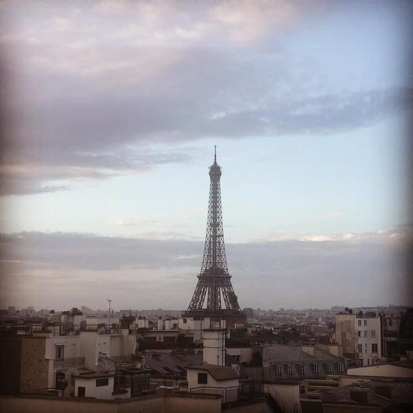 Potret Menara Eiffel di Paris yang diposting Kobe (kobebryant/Instagram)