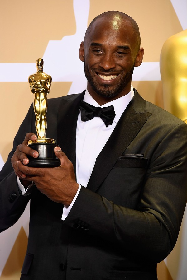 5-time NBA Champion, 2-time Finals MVP, 18-time All-Star, NBA MVP dan now Oscar Winner, selamat Kobe! (Frazer Harrison/Getty Images)