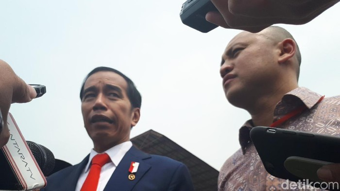 Foto: Jokowi dan Ananda di Sirkuit Sentul (Dika-detikcom)