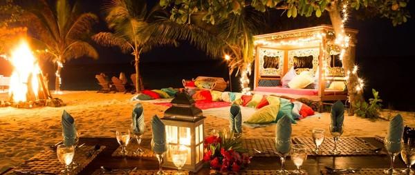 Kini, di pulau tersebut terdapat resor mewah dengan berbagai fasilitas bintang lima (Virgin Group)