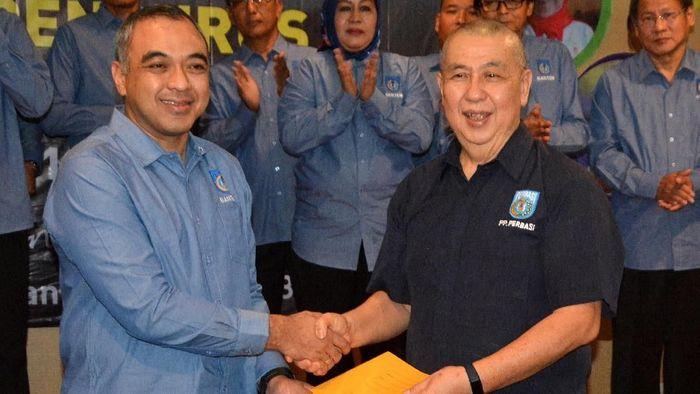 Danny Kosasih (kanan) sudah direkomendasikan untuk maju sebagai Caketum PP Perbasi 2019-2023 (Istimewa/Perbasi)