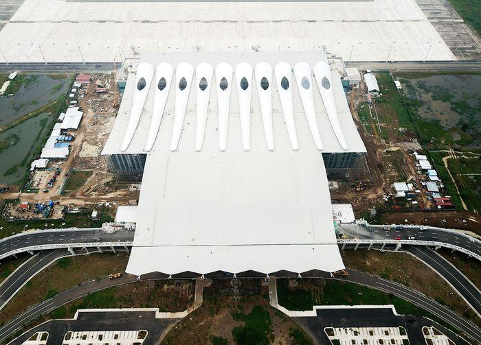 Mengutip instgaram PT Bandarudara Internasional Jawa Barat (BIJB), @infobijb, Bandara Kertajati sampai dengan ultimate nantinya akan berdiri di atas lahan 1.800 Hektare. Untuk tahap satu, saat ini lahan yang sudah terpakai yakni 1.000 hektare. Istimewa/Humas PT BIJB.