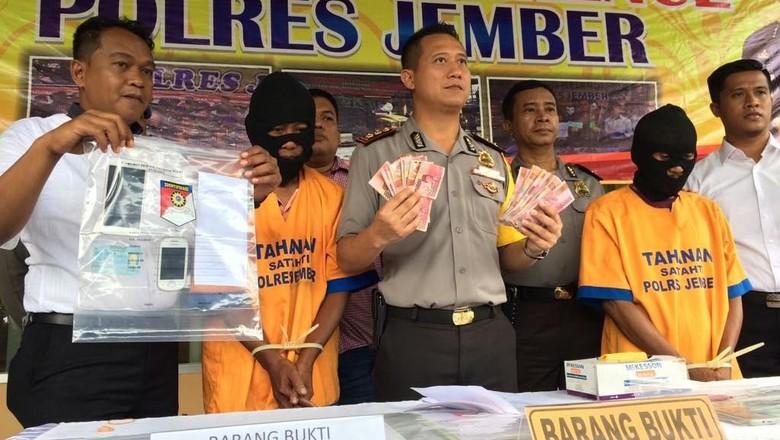 Polisi OTT Pelaku Pungli Sertifikasi Tanah dan Pemasangan Listrik di Jember