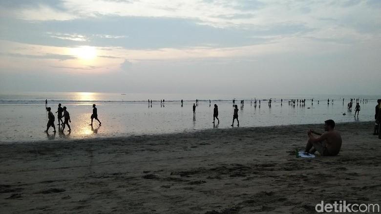 Ilustrasi Pantai Kuta (Bonauli/detikTravel)