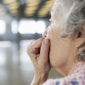 Viral Kisah Haru Penantian Wanita Tua yang Tunggu Putrinya Main ke Rumah