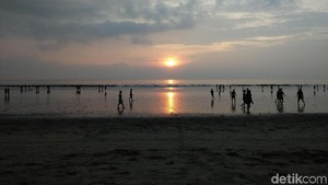 Foto: Sunset Cantik dari Pantai Kuta
