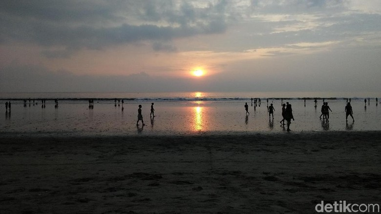 Pantai Kuta di Bali. (Foto: Bonauli/detikcom)