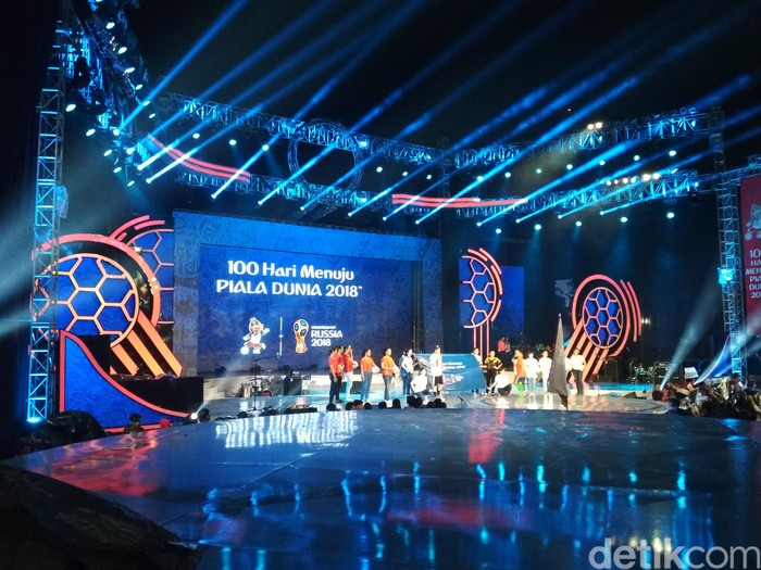 Foto: Acara 100 hari menuju Piala Dunia 2018 di Trans TV / Hanif Hawari