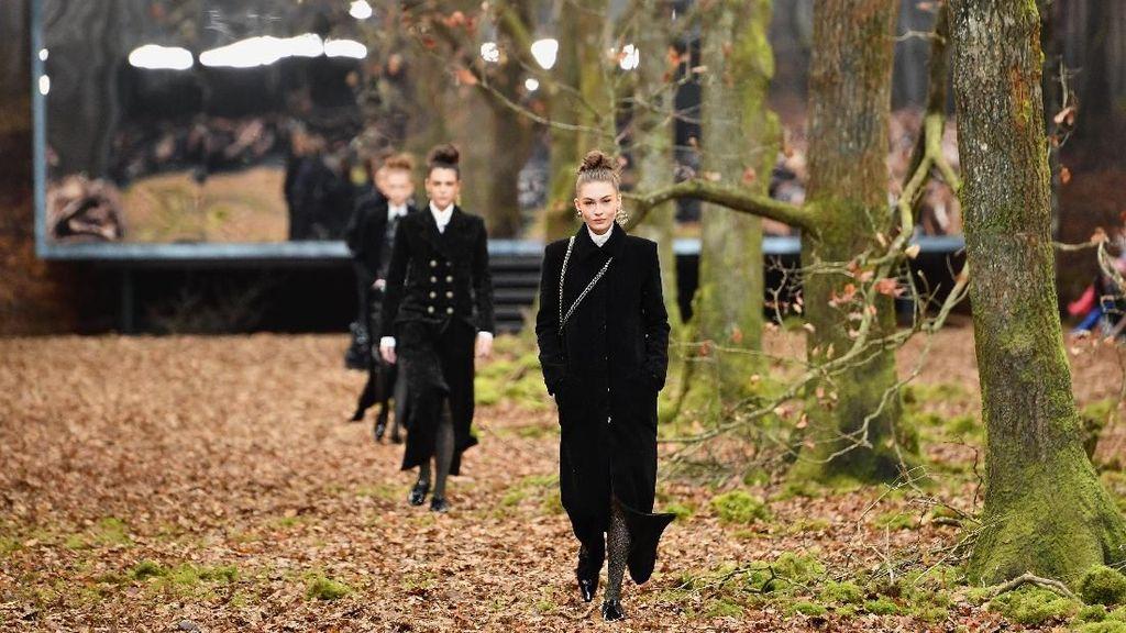 Sulap Gedung Jadi Hutan, Chanel Dituding Tebang Pohon Berusia Ratusan Tahun