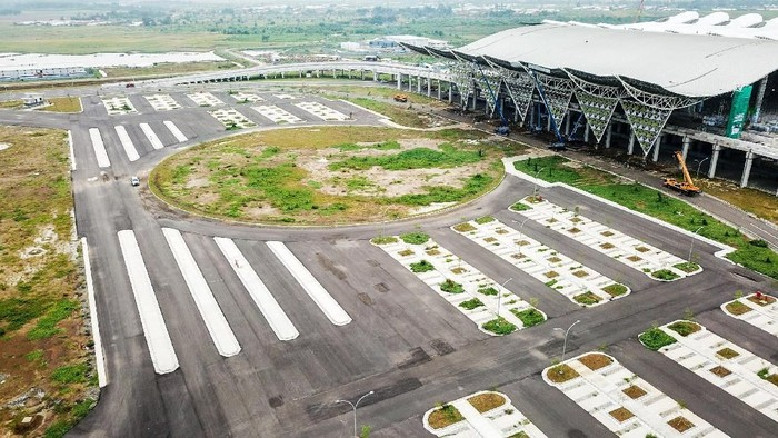 Proyek Bandara Internasional Jawa Barat (BIJB) atau Bandara Kertajati di Majalengka, Jawa Barat sedang berjalan. Yuk, tengok foto-fotonya.