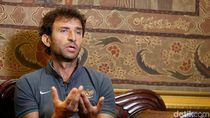Luis Milla, Antara Messi-Ronaldo dan Bali