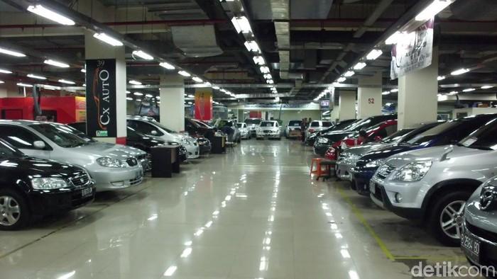 Bursa Mobil Bekas WTC Mangga Dua