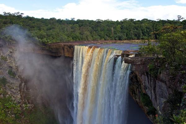 Guyana bebas visa 30 hari buat traveler Indonesia. Wisata alamnya sungguh menarik buat menghabiskan liburan (Thinkstock)