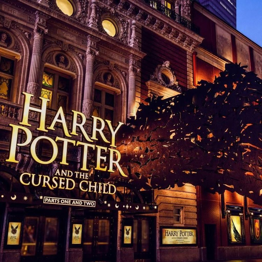 Harry Potter and the Cursed Child Tak Luput dari Corona