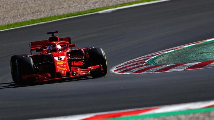 Sebastian Vettel menjadi yang tercepat di hari pertama tes pramusim kedua F1 2018 (Foto: Dan Istitene/Getty Images)