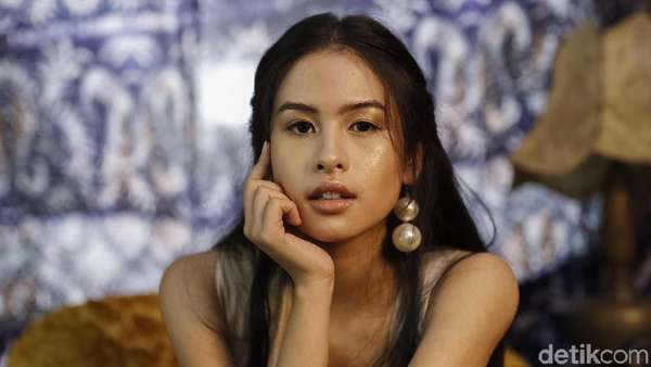 Kemilau! Maudy Ayunda Celeb of The Month Bulan Ini